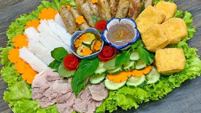 Mencoba Makanan Super Ekstrem Di Vietnam 2